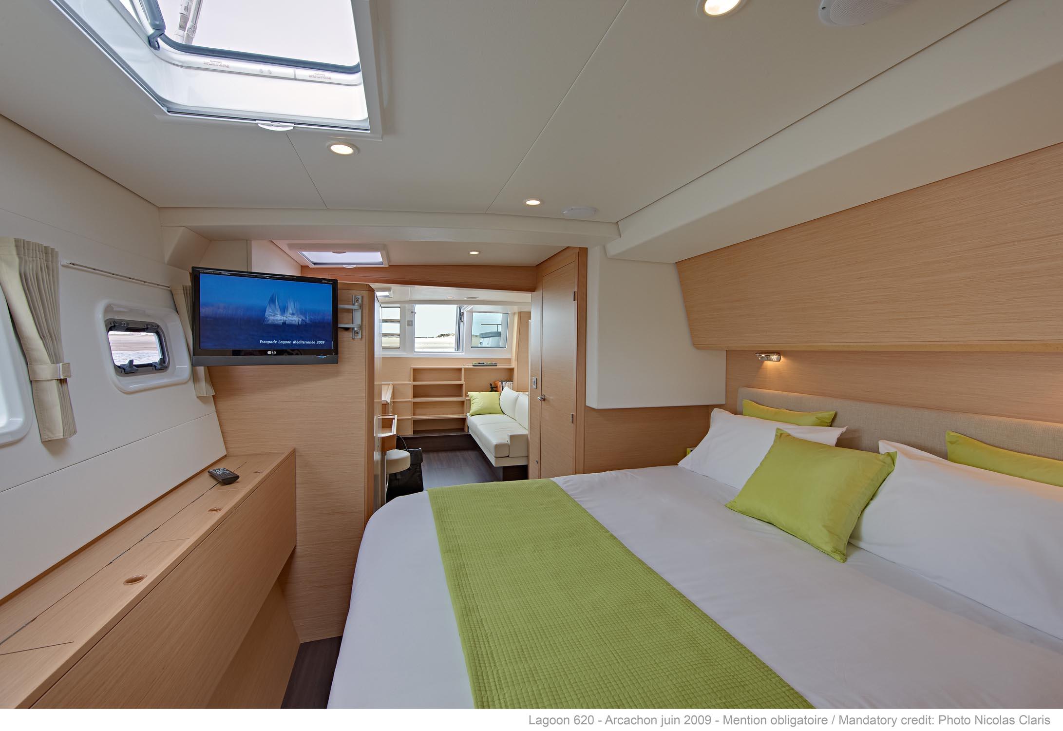lagoon 620 couedel design herve couedel architecte d 39 interieur muzillac et sarzeau. Black Bedroom Furniture Sets. Home Design Ideas
